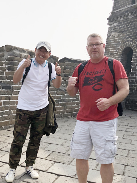 Anita's husband and his chinese friend at The Great Wall