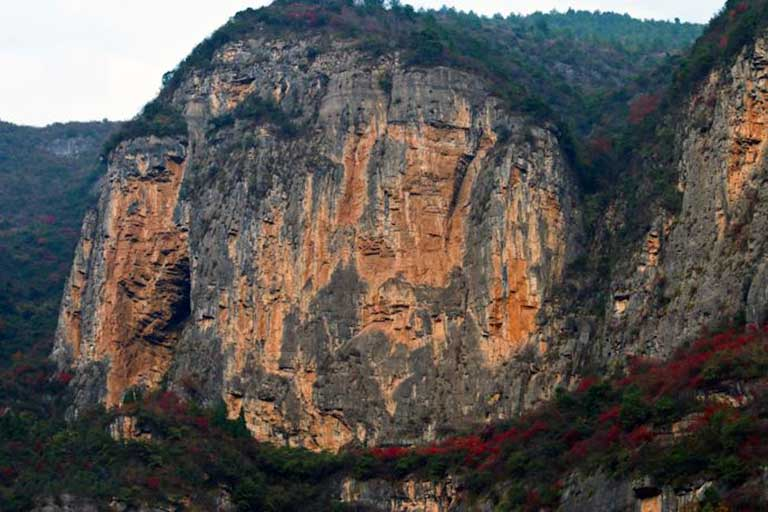 Hanging coffins in Bawu Gorge