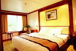 Deluxe Suite on Yangtze River Cruise Ship
