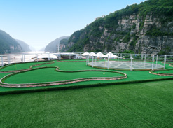 Mini Golf Course on Yangtze Gold Cruises