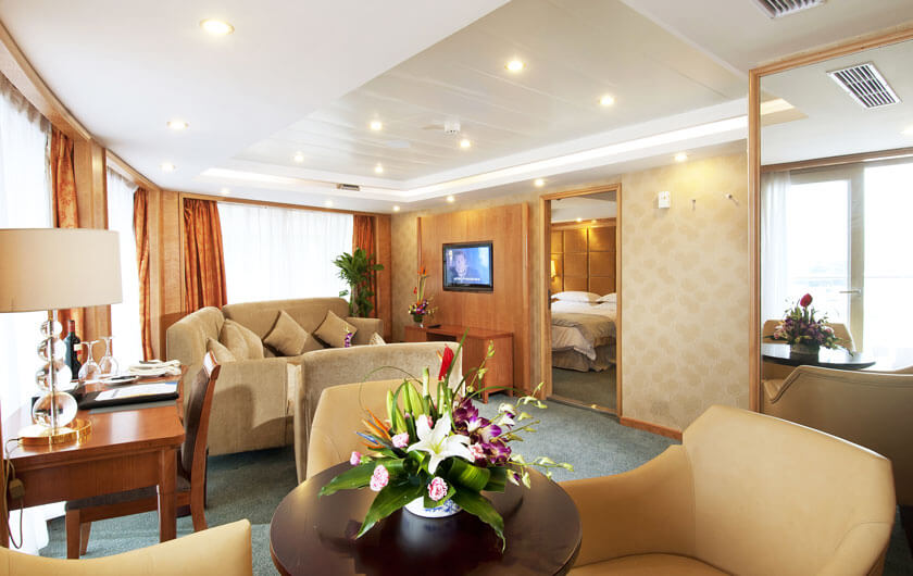 Yangtze River Small Cruise Ship - Century Diamond