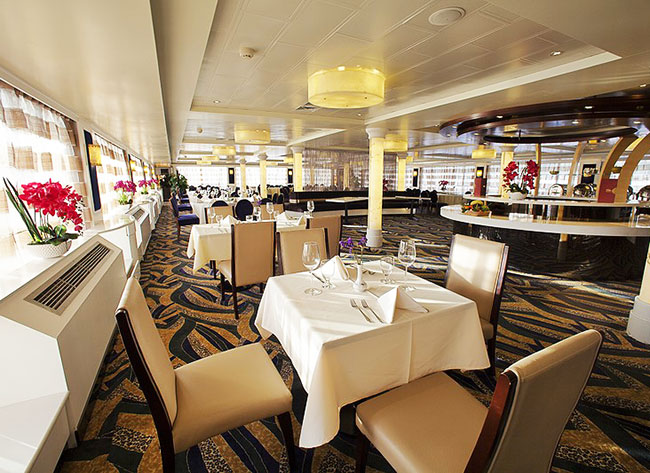 Dining Environment on Victoria Cruises
