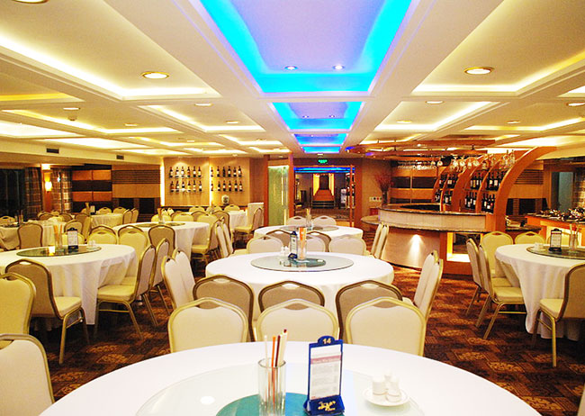 Meals on Victoria Cruises Meals
