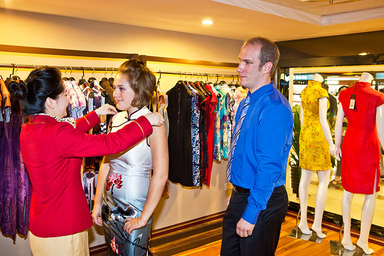Yangtze River Cruise Services - Shopping Onboard