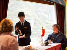 Enjoy the High-quality Service on Yangtze Cruise