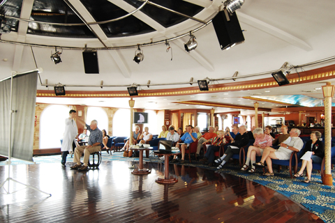Traditional Chinese Medicine Lecture on Yangtze River cruise