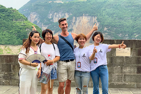 Tim's group took Victoria Anna Cruise from Chongqing to Yichang in July, 2019, tour customized by Mark